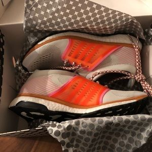 New Size 6UK (7.5 US) Adidas by Stella McCartney